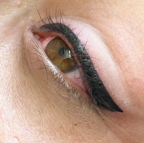 میکروپیگمنتیشن خط چشم ، تاتو خط چشم ، میکروپیگمنتیشن چشم تهران